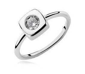 Srebrny kwadratowy pierścionek pr.925 Cyrkonia biała