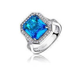 Srebrny modny pierścionek pr.925 Cyrkonia aquamarynowa