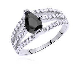 Srebrny pierścionek pr.925 cyrkonia czarna