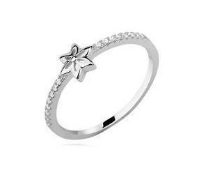 Srebrny delikatny pierścionek z kwiatkiem pr.925 cyrkonia biała