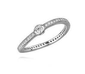 Srebrny delikatny pierścionek pr.925 cyrkonia biała - lekko falowany