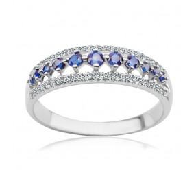 Staviori Pierścionek. 48 Diamentów, szlif achtkant, masa 0,14 ct., barwa I-J, czystość I1-I2. 11 Szafirów, masa 0,25 ct.. Białe Złoto 0,585. Szerokość 5,6 mm. Grubość 3,4 mm.