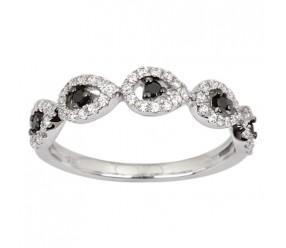 Staviori Pierścionek. 60 Diamentów, szlif brylantowy, masa 0,38 ct., barwa H, czystość I1. 5 Diamentów, kolor czarny, szlif brylantowy, masa 0,08 ct.. Białe Złoto 0,585. Szerokość 4 mm.