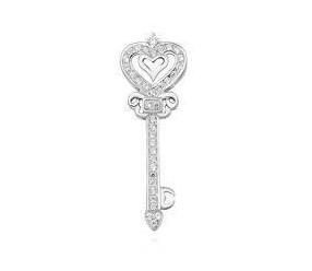 Srebrna zawieszka pr.925 kluczyk z cyrkoniamii i sercem
